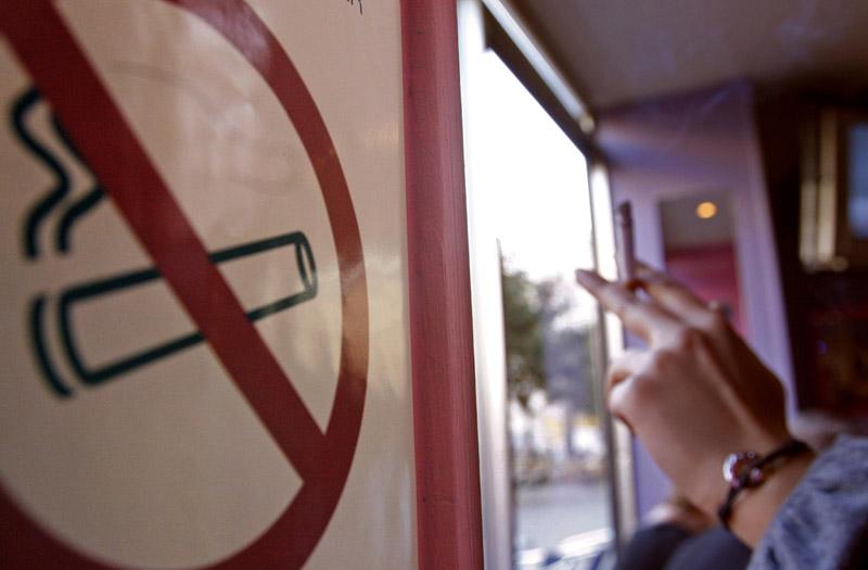 Από τις πόλεις με τα λιγότερα πρόστιμα για τον αντικαπνιστικό η Αλεξανδρούπολη