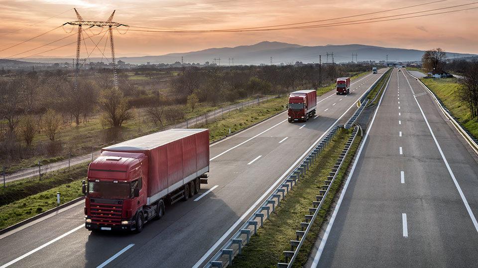 Περιορισμοί στην κυκλοφορία των οχημάτων στη Θράκη λόγω ανέμων