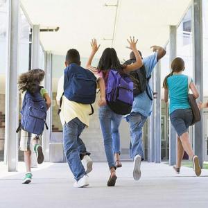 Στα σχολεία με .. μέτρα μαθητές Δημοτικού, ανοίγουν και τα νηπιαγωγεία