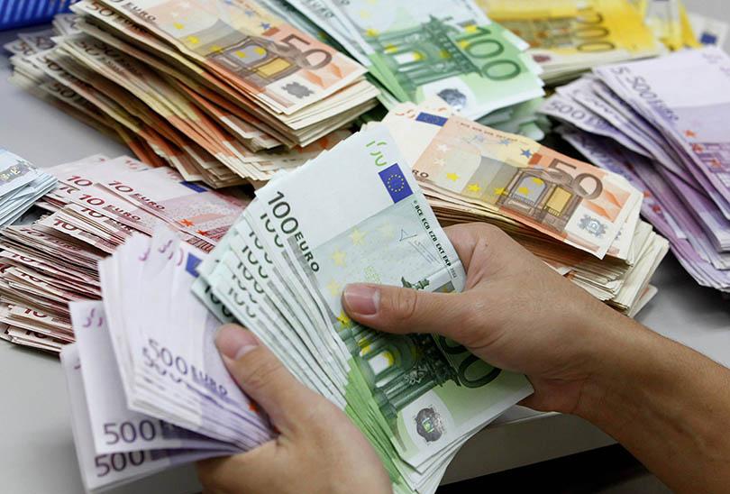 Νέα ΚΥΑ: Τελικά χορήγηση του επιδόματος των 800 ευρώ και για δικηγόρους, μηχανικούς, μισθωτούς επαγγελματίες