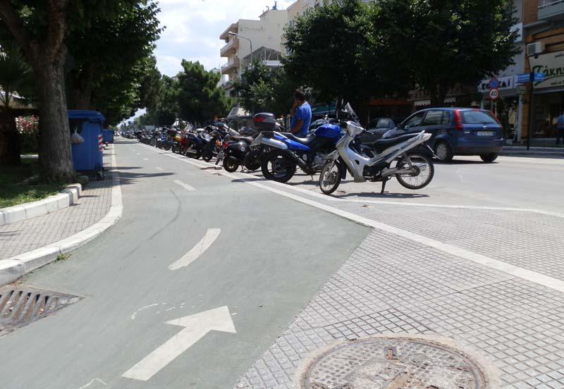 130 νέες θέσεις στάθμευσης δικύκλων στο κέντρο της Αλεξανδρούπολης
