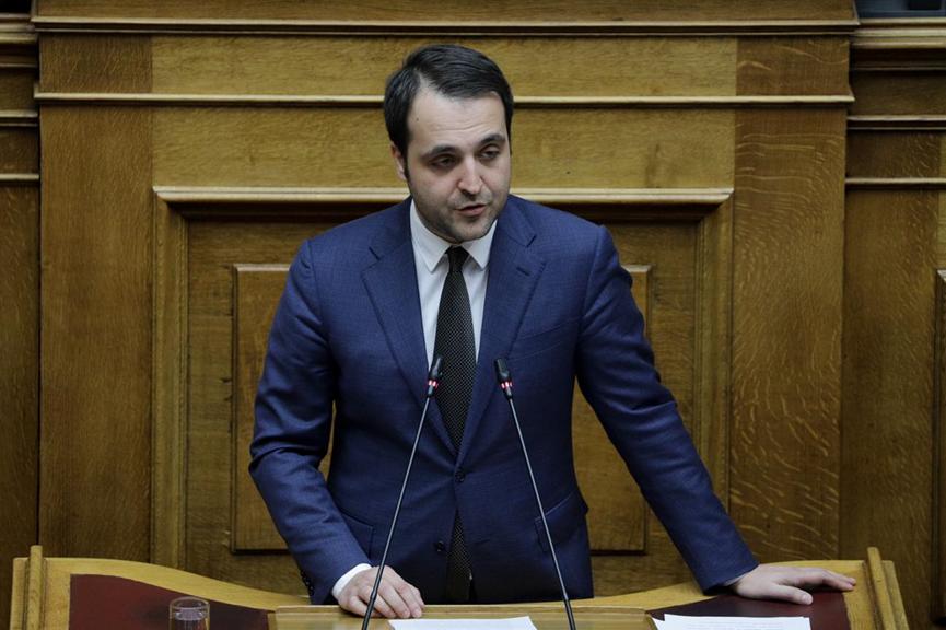 Τη μισή βουλευτική του αποζημίωση για τον κορωνοϊό δίνει ο Χ. Δερμεντζόπουλος