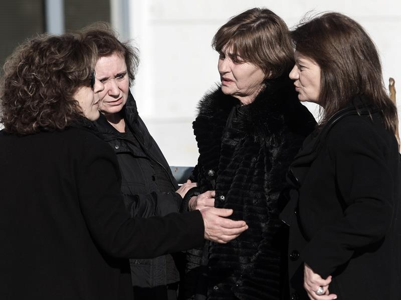 Δολοφονία Τοπαλούδη: Ξεκίνησε η δίκη, η Μάγδα Φύσσα στο πλευρό της μητέρας της Ελένης