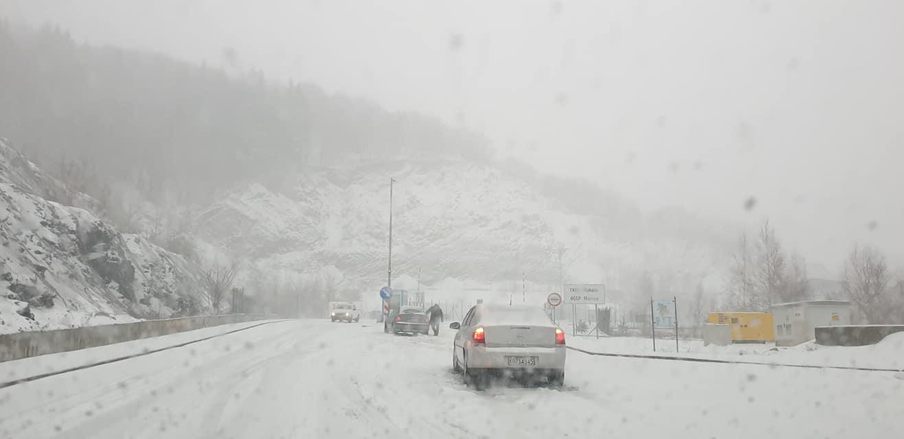 Ήρθαν τα χιόνια στη Θράκη ! Συστάσεις από την τροχαία