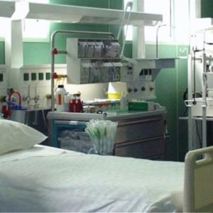 Νέα ΚΥΑ: «Επιστρατεύονται» ιδιωτικά και στρατιωτικά νοσοκομεία ελέω Covid-19