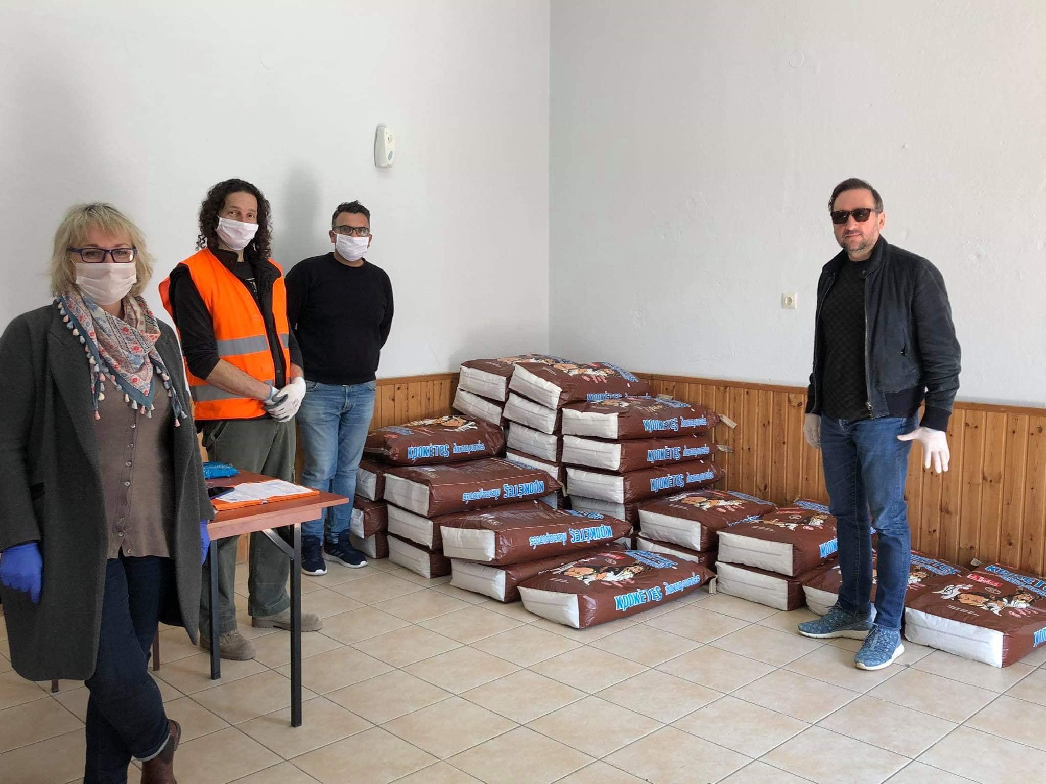 100 σακιά ξηράς τροφής στους εθελοντές φιλόζωους του Δήμου Αλεξανδρούπολης