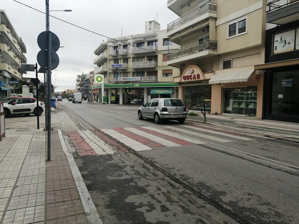 1η μέρα απαγόρευσης κυκλοφορίας: Τα «απολύτως απαραίτητα» στους δρόμους της Αλεξανδρούπολης (photos&video)