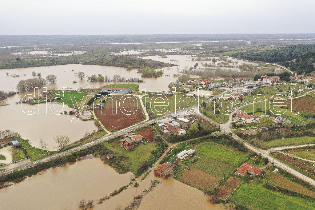 Πλημμυρισμένες περιοχές στο Διδυμότειχο από τον Ερυθροπόταμο