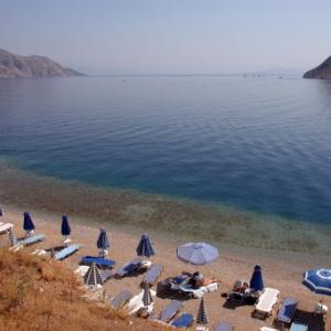 Ανοίγουν το Σάββατο οι οργανωμένες παραλίες - Στα νησιά από 25 Μαΐου