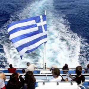 Χωρίς τεστ και καραντίνα οι ξένοι τουρίστες στην Ελλάδα