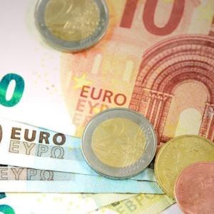 """Στα 17,4 ευρώ το """"μεροκάματο"""" όσων βρίσκονται ακόμη σε αναστολή σύμβασης"""