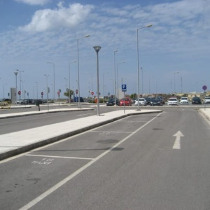 Εργασίες καθαρισμού της τάφρου στην περιοχή του αεροδρομίου Αλεξανδρούπολης