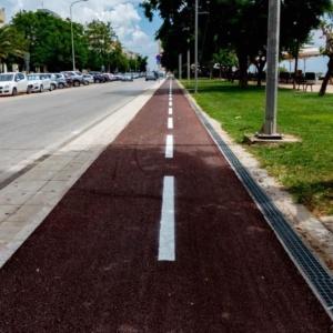 Διαγραμμίσεις στον ποδηλατόδρομο, νέες διαβάσεις στον οικισμό της Χιλής
