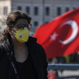 Προβληματισμός στην Τουρκία από το διπλασιασμό των κρουσμάτων