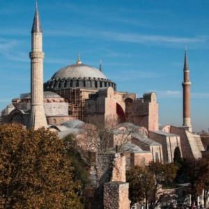 Ανοικτή επιστολή από βυζαντινολόγους και μελετητές από όλο τον κόσμο για την προστασία της Αγίας Σοφίας