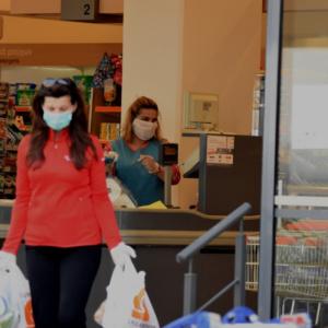 Έκτακτα μέτρα και μάσκα σε όλους τους κλειστούς χώρους μετά τα 78 νέα κρούσματα