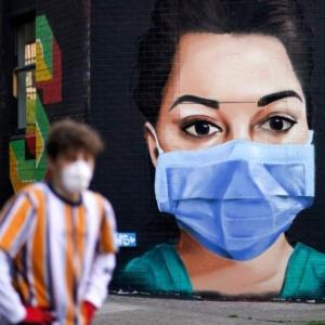 Έρχεται μάσκα υποχρεωτικά σε νέους κλειστούς χώρους, εκτός από τα σούπερ μάρκετ