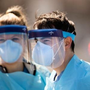 Κορωνοϊός – Μάσκες: Ποιες φρενάρουν πιο αποτελεσματικά τη διασπορά του ιού