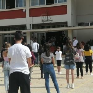Έβρος: Τήρηση μέτρων στα σχολεία, αλλά αναπόφευκτος ο συνωστισμός