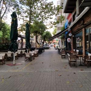 """""""Νέκρωσε"""" η Αλεξανδρούπολη, κλειστή η πλειονότητα των μαγαζιών φαγητού, εστίασης, καφέ, μπαρ (+φωτος)"""