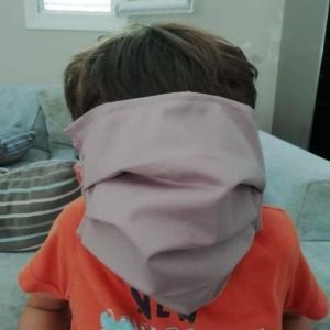 """""""Πάρτι"""" στα social media με τις μάσκες - γίγας στα σχολεία"""