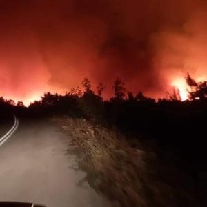 Αλεξανδρούπολη: Καίει ακόμη η φωτιά, ο 'λόγος' στα εναέρια μέσα