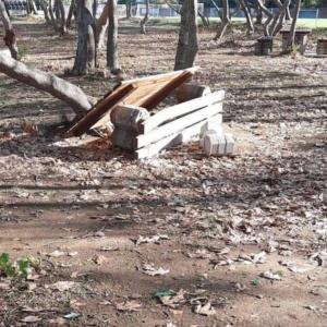 Μήνυση Ναϊτίδη κατά αγνώστων για βανδαλισμούς σε πάρκα, πλατείες, σχολεία, κοινόχρηστους χώρους