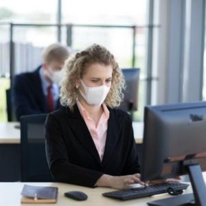 """""""Καθημερινές καταγγελίες για κρούσματα σε μεγάλους χώρους εργασίας"""""""